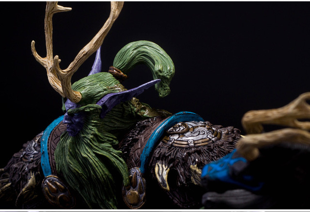 [Funny] Collection 22cm WOW Online Game Night Elf Druid Broll Bearmantle Figure Figurine model Toy Exquisite Collectible Gift  3