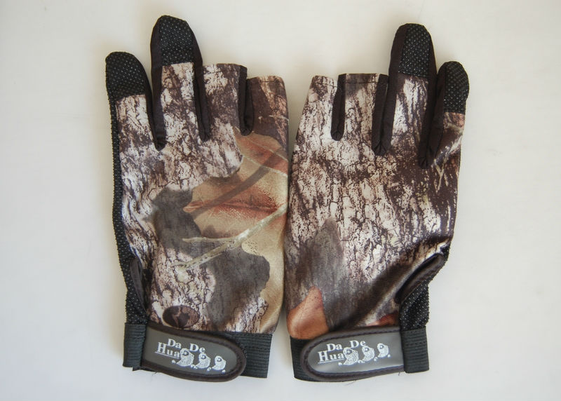 New  3 Cut Finger Anti Slip Green Camo camouflage Fishing Gloves Free Shipping