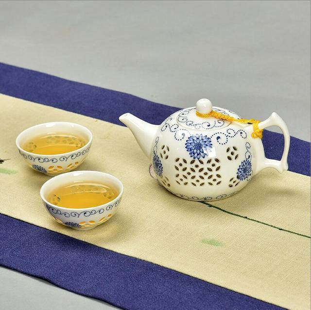 Exquisite Tea Set Bone China,Kung fu tea set for puer tea,Travel Ceramic Tea Set,One teapot 150ml & Two cups