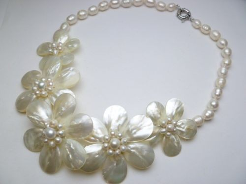 2019 Fashion Jewelry Fresh Water Mother Pearl Shell Flower White Necklace 20 inches2019 Fashion Jewelry Fresh Water Mother Pearl Shell Flower White Necklace 20 inches