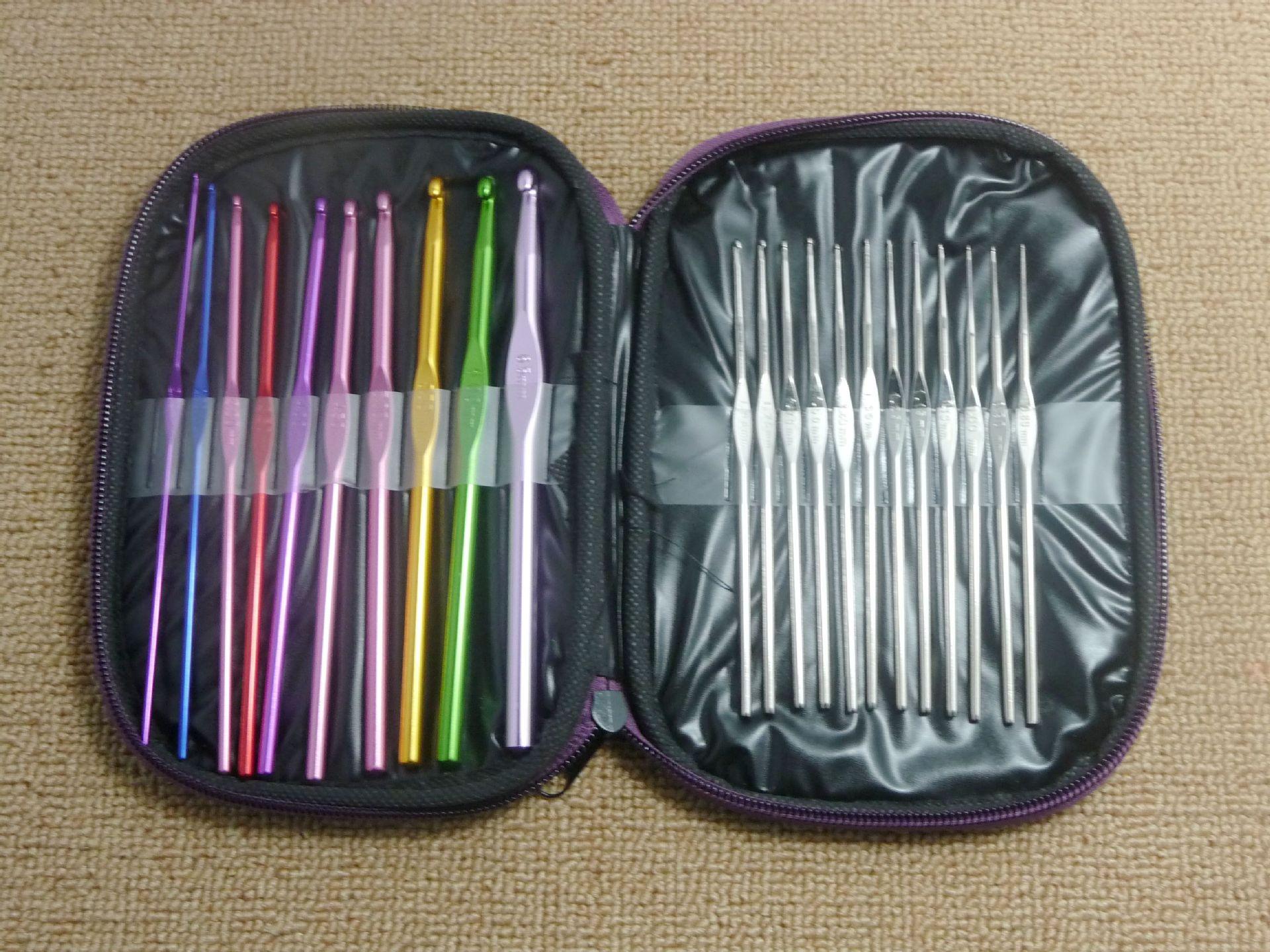 22 Multi-colour Aluminum Crochet Hooks Needles Yarn Weave Knit Craft Set w// Case