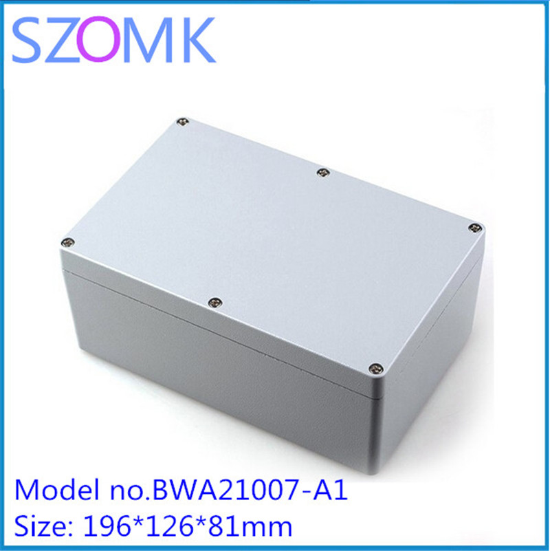 1 pcs, szomk IP68 electrical enclosure waterproof junction box 155*103*61mm extruded aluminium enclosure box 2015 ip66 electrical aluminium enclosure waterproof box 300 210 130 with 4 screws