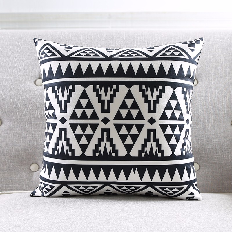 Modern Black And White Kids Cushion Covers Geometric Triangles Stripes Rug Pattern Pillow Cover World Map Velvet Pillow Case 7