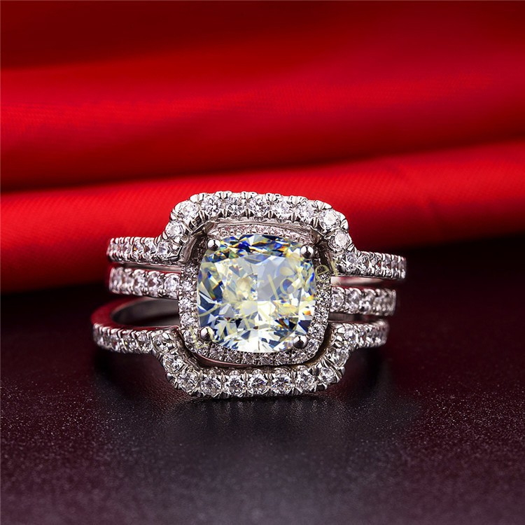 Luxury Cushion Cut Solid 18k 750 White Gold 1ct Diamond Wedding Ring With Excellent 2 Side Bands Perfectly Jewelry In Rings From Accessories On