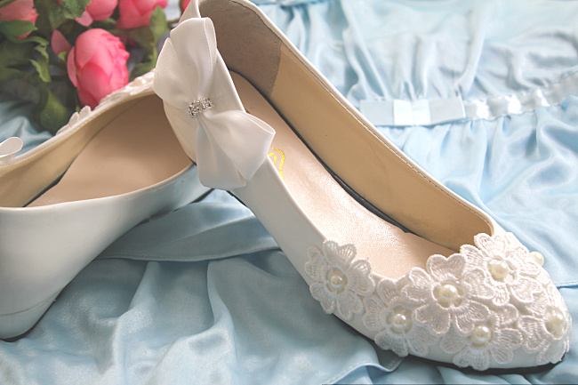 Wedges heel wedding shoes for woman fashion brand new design lace flower white ivory bridal wedding pump bow bowtie brides shoes-in Women's Pumps from Shoes    3