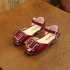 Модная детская обувь из лаковой кожи; Детская обувь на плоской подошве; Обувь для девочек на свадьбу; Кроссовки для девочек на весну и осень