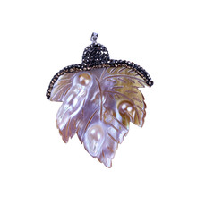 Natural Maple Leaf Shell Pendant Charm Rhinestones Paved Druzy Gem Pendant for Women Jewelry with High Quality