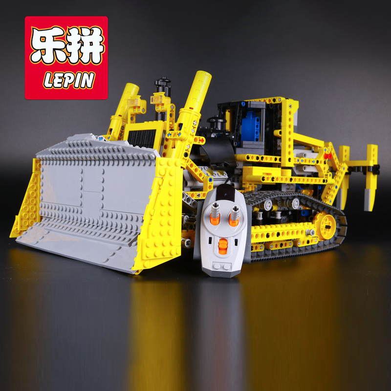 LEPIN 20008 Technic Series Remote Control Bulldozer Model Assembling Building Block Bricks Kits Compatible with Lego 42030 lepin 20008 technic series remote contro lthe bulldozer model assembling building block bricks kits compatible with 42030