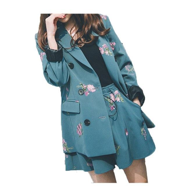 Резултат со слика за short  women pants with coats and jackets