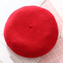 Invierno cálido de boina de lana las mujeres las niñas artista francés  gorra sombrero púrpura negro rojo beige orange Kawaii pla. 110f5b22561