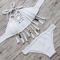 Biquini 2016 Nova Handmade Crochet Bikini Set Alta Pescoço Conjuntos de Maiô Sexy Fringe Swimwear Mulheres tricô Biquinis Fato de banho