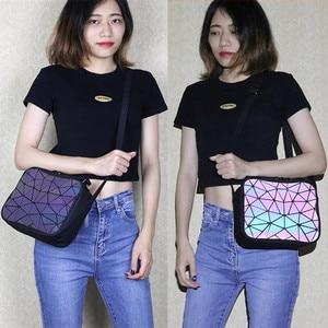 Image 5 - MAGICYZ kadın lazer ışık çanta küçük Crossbody çanta kadınlar için omuzdan askili çanta geometrik ekose tote bayan deri çanta