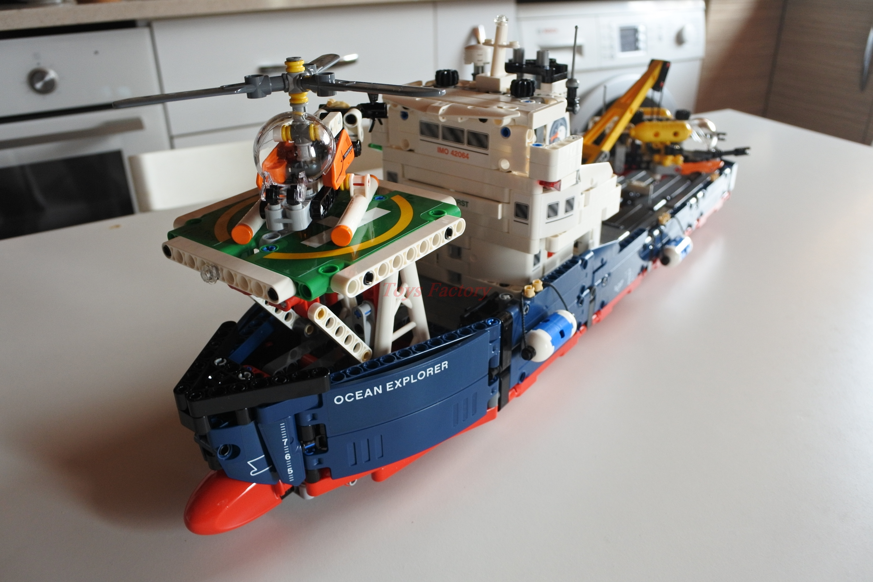 1347pcs Techinic 2in1 Ocean Explorer 20034 Diy Model Ships Lego 42064 Technic Helicopters Building Kit Blocks Gifts Toys Sets Compatible With