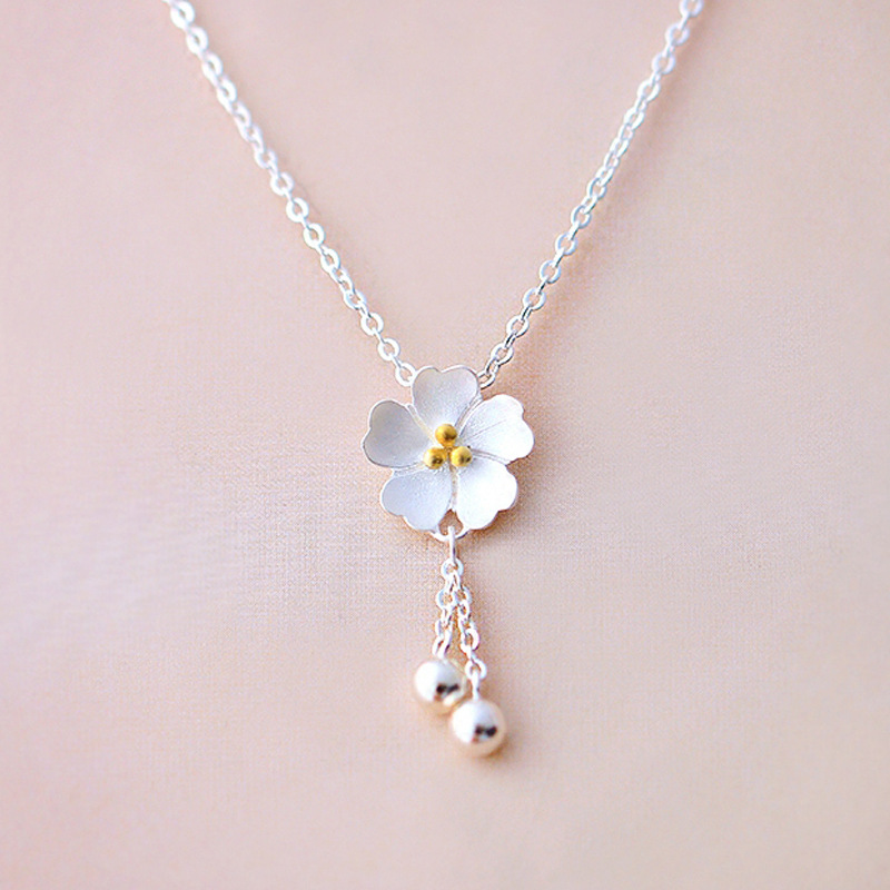 New Fashion Vintage Accessories Sakura Flowers Tassel Pendant Necklace Silver Plated Jewelry Female Collarbone Chain Necklace stylish five flowers silver plated necklace page 5
