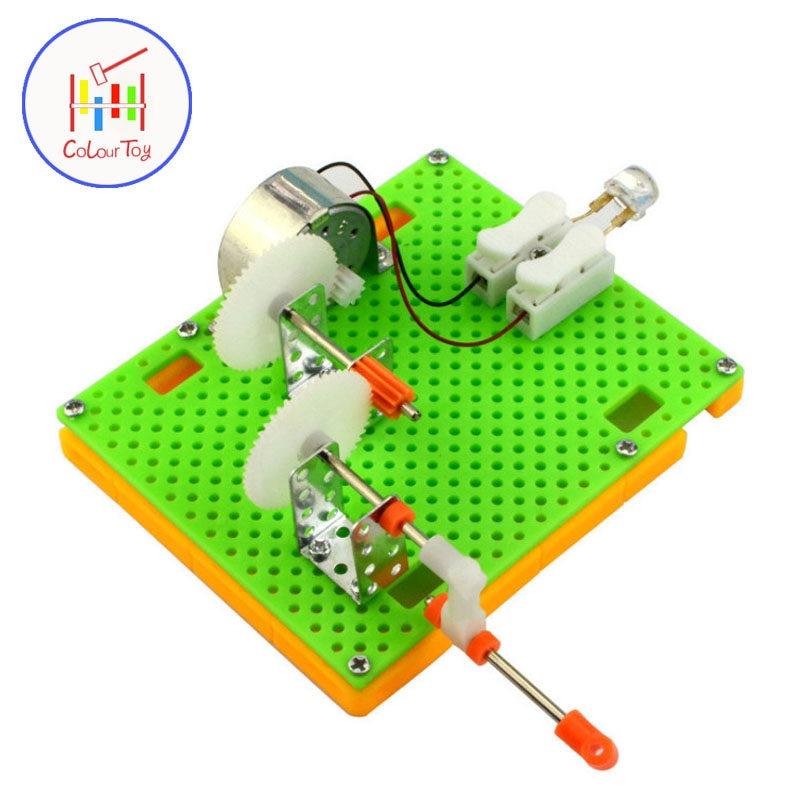 573a42fbb25 Crianças DIY Manivela Dínamo Lanterna Modelo TRONCO Física Ciência Geradores  De Energia Mão De Brinquedo de
