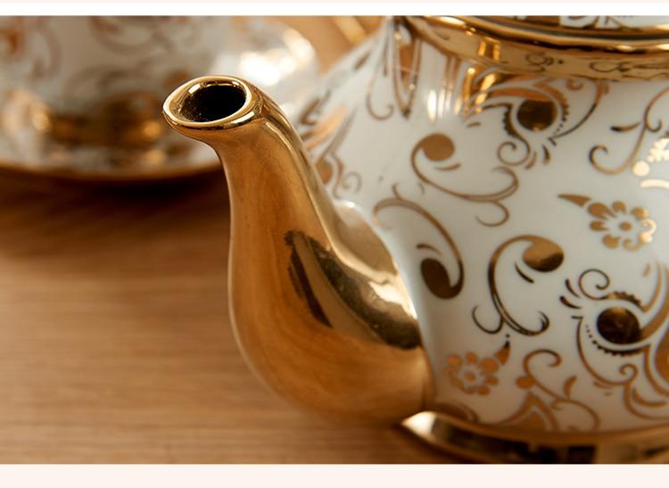 European Ceramic Tea Cup And Saucer Set Chinese Ivory Gold bone china Coffee Cups Set Pot Creamer Sugar Bowl Teatime Teapot Mug