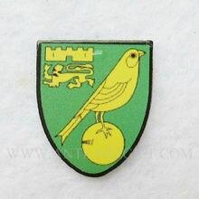 Индивидуальный жесткий значок с эмалью Прекрасные Птицы Зеленый цвет Футбольный Клуб Значки Быстрое изготовление без MOQ