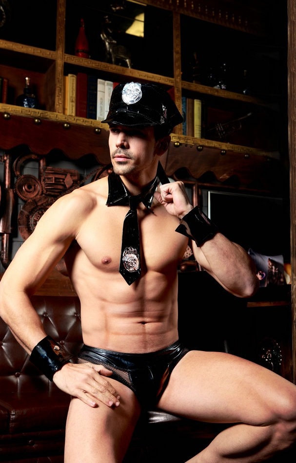 (4PC hat +tie +wrist band +short)Man Police Sop Traffic Cop <font><b>Costume</b></font> <font><b>Halloween</b></font> <font><b>Sexy</b></font> Cop Outfit Man Cosplay Erotic Police <font><b>Costumes</b></font> image