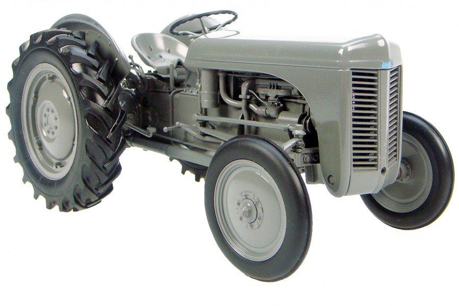 1:16 Massey Ferguson TE-20 винтажный трактор