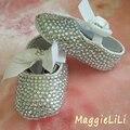 Envío libre hecho a mano de la princesa rhinestone Zapatos de bebé hecha a mano de la perla del bebé niño pequeño bling zapatos de Bautizo Cumpleaños niña