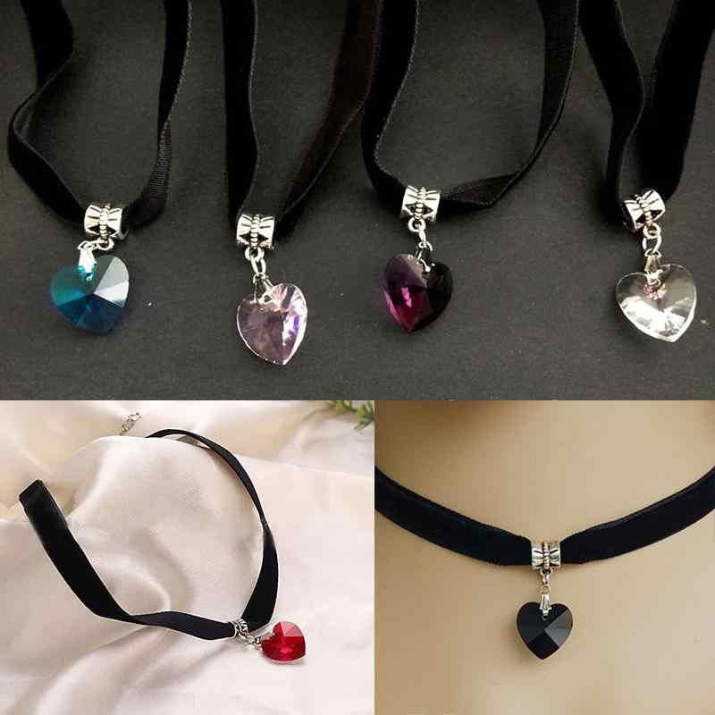 Rétro pendentif colliers femmes gothique velours coeur cristal collier ras du cou à la main collier femmes mode bijoux 1pc