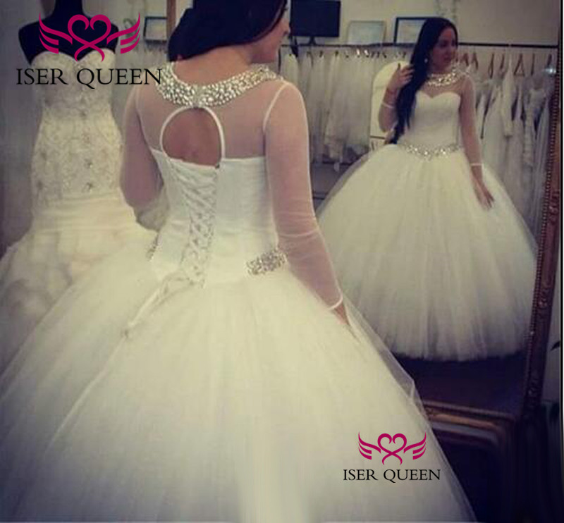 Half Sleeves Boat Neckline Delicate Embroidery Wedding Dresses Beautiful Pattern Dresses for Wedding Button Back Design w0214