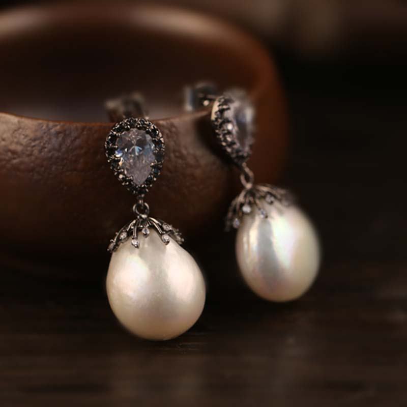 925 Sterling Silver Natural Pearl natural and elegant lady earrings925 Sterling Silver Natural Pearl natural and elegant lady earrings