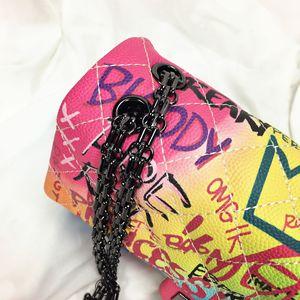 Image 5 - Frauen tasche 2019 neue farbe graffiti druck schulter tasche mode reisetasche luxus kette umhängetasche