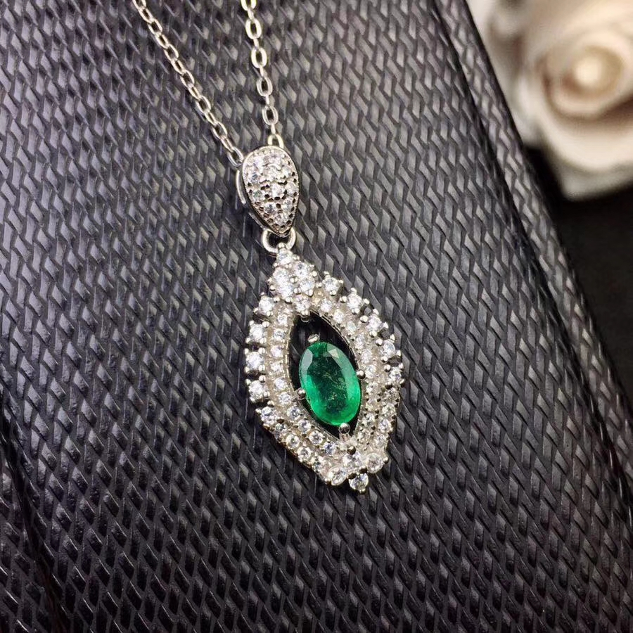 Natural green emerald gem Necklace natural gemstone Pendant Necklace S925 silver girl Elegant Lovely Water drop flame Jewelry