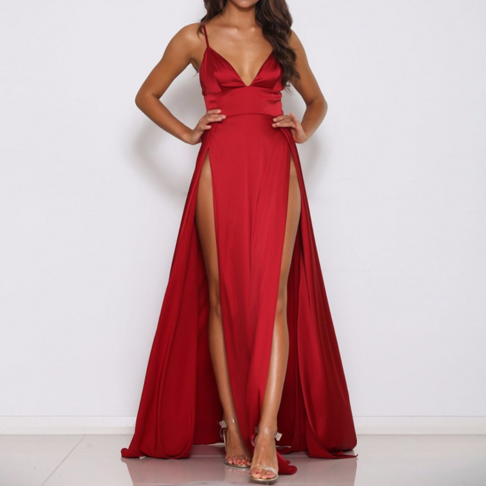 2018 Sexig Deep V Neck Backless Maxi Dress 2 High Split Dress Röd Satin Golv Längd Öppna Tillbaka Night Club Evening Party Dress