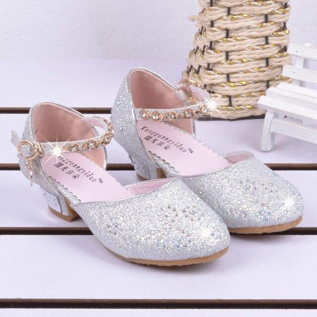 b4046eb8a16b0 Nouveau Printemps D été Sandales Filles Talon Robe Chaussures Pour Enfants  Chaussure Fille Princesse Cristal