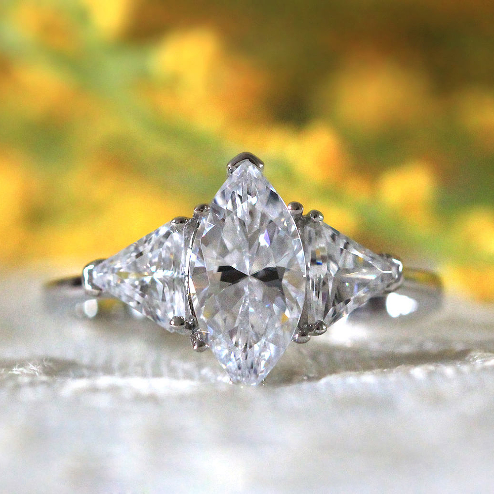 Luxurious 14x7mm Marquise Cut Moissanite Halo Wedding Engagement Ring 14K White Gold Soliarite with Thrillion Cut Moissanite