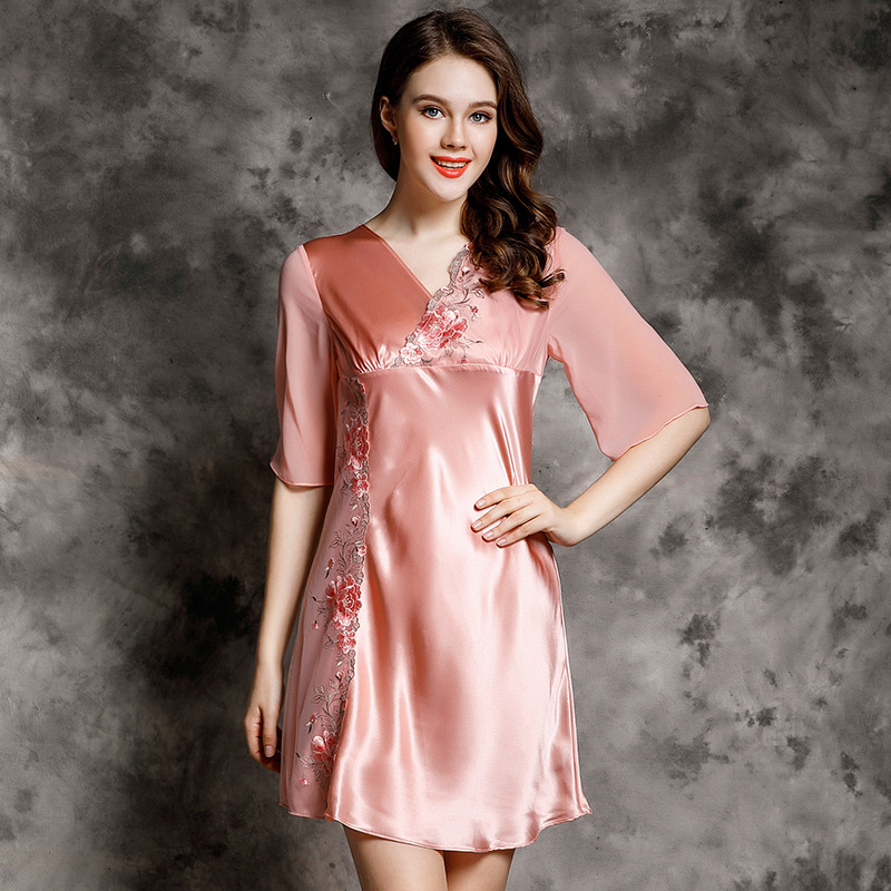 S55123 Wholesale Women Sexy Sleepwear 100% Silk Summer Spring and Autumn   Nightgown   Embroidered Silk   Sleepshirts