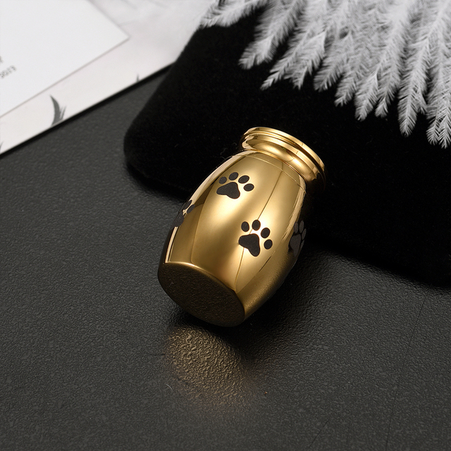 Golden Paw Ash Holder