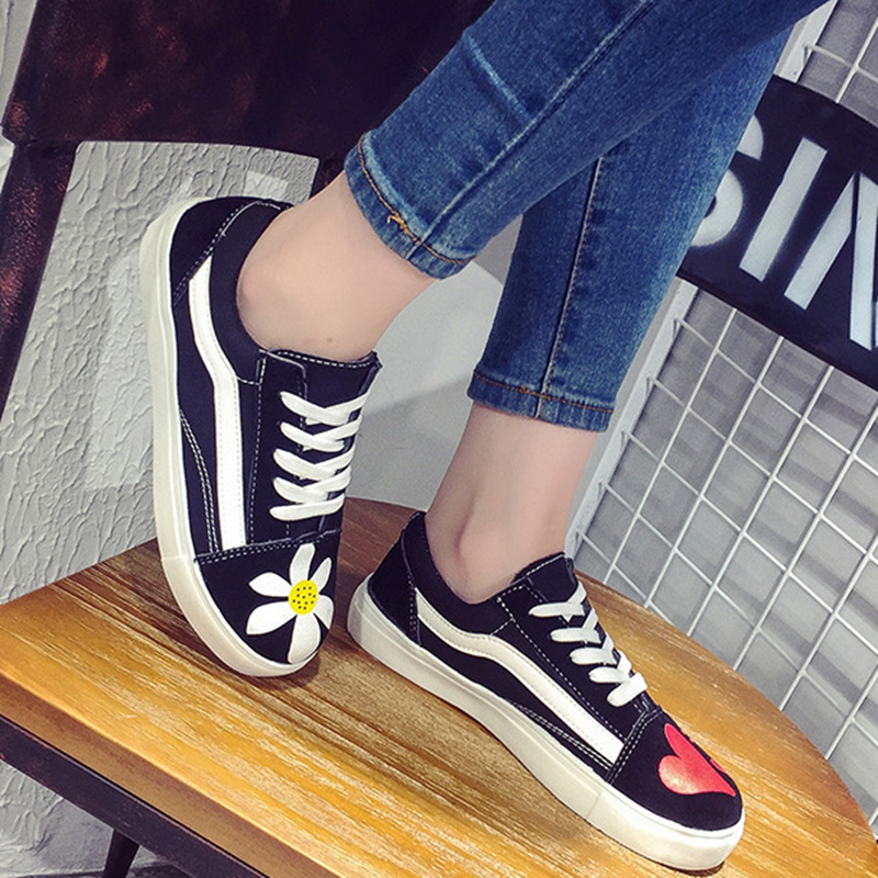 Women Shoes 2017 New Spring Summer Casual Fashion Flat Shoes Hot Selling  Canvas Shoes Flats Breathable Flat  fashion womens casual shoes 2017 spring summer breathable women canvas shoes brand soft thick sole classic black white th085