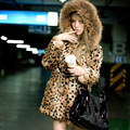 Moda Otoño Invierno Mujeres de Piel Sintética de Leopardo Chaqueta Abrigo Con Capucha Caliente Delgado gilet chalecos de pelo prendas de Vestir Exteriores Femenina fourrure