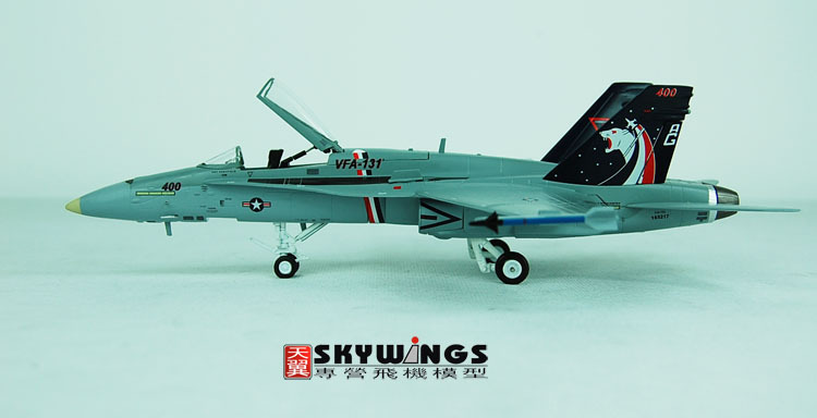 026-002 F/A-18C Witty fighter super large wasp US Navy 1:72 Finished Model