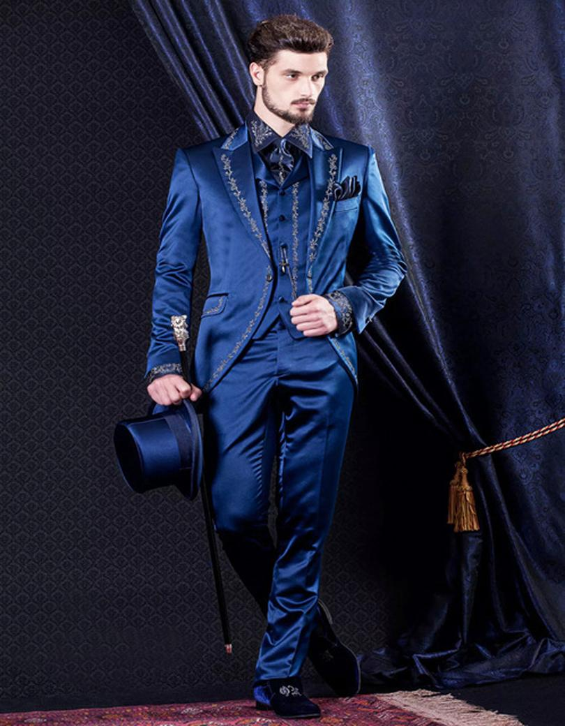 Nouvelle Arrivée Bleu Broderie Hommes Dîner de Partie De Bal Costumes Marié  Smokings de Garçons D honneur De Mariage Blazer Costumes (Veste + Pantalon  + ... a8f19ad23ba