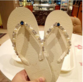 Летние женщины стразы стринги тапочки алмазные квартиры пляжная обувь гавайский сандалии блестящие фантазии сандалии женщина ручной работы флип-флоп