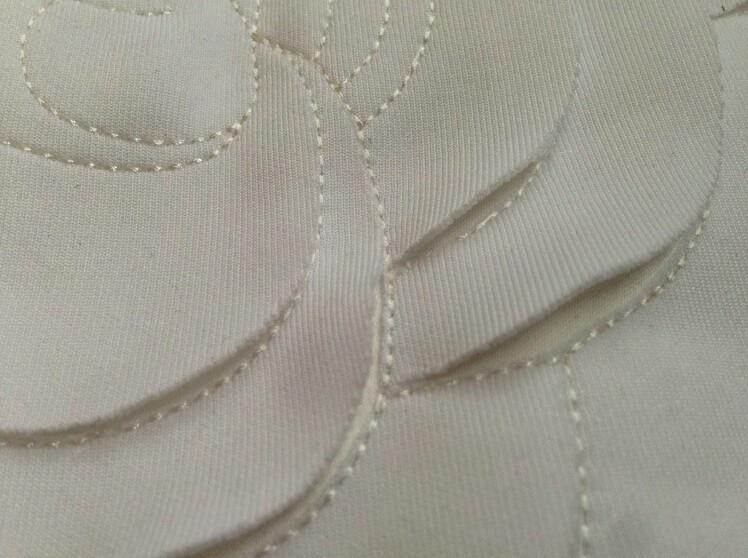 HTB1HL96LVXXXXb0XXXXq6xXFXXXg - Wonderfulland women summer 3d camellia embroidery luxury T-shirt
