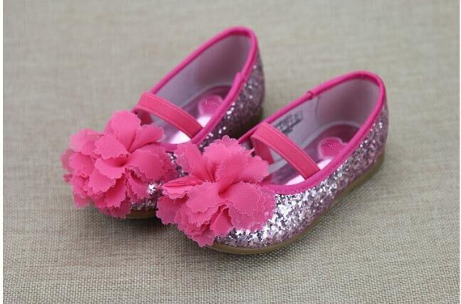 300aed479 2018 أزياء الخريف الطفل أحذية للبنات أحذية الأميرة الصلبة التسلق Appliqes  زهرة الاطفال أحذية الأطفال طفلة الملابس