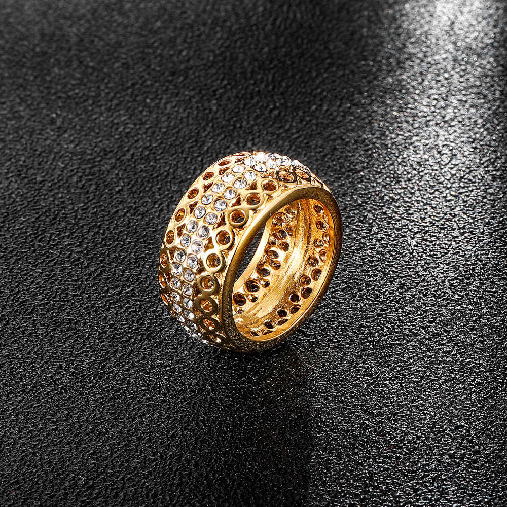 HIP Hop Iced Out สแตนเลส Micro Pave Rhinestone Hollow Out Gold สี Bling รอบแหวนผู้ชายเครื่องประดับแหวน dropshipping