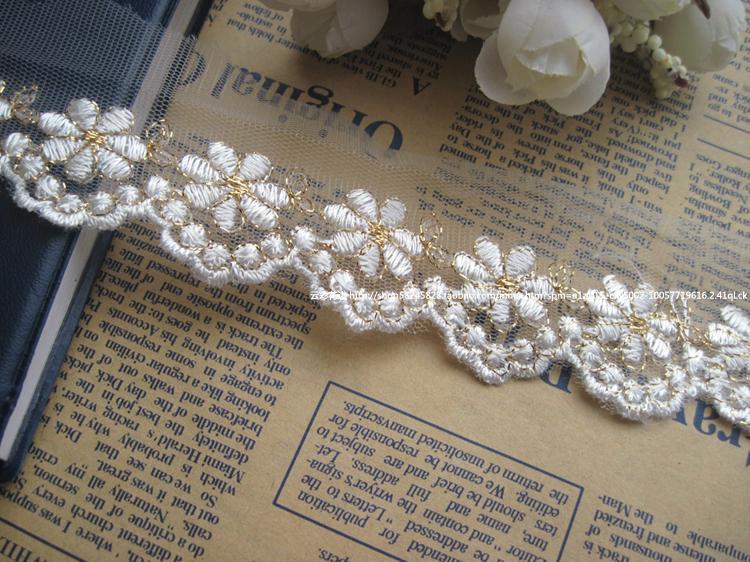 Free Shipping 1 Yard 5cm Golden Thread Width Lace Trim Venise Lace Trim  Lace Applique Wedding Dress Garment Accessories 30992c450420