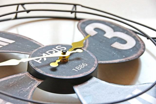 40*40CM Round Retro Metal Fan Wall Clock Creative Modern Design Decorative Digital Clock Home Office Cafe Bar Loft Deco Clocks