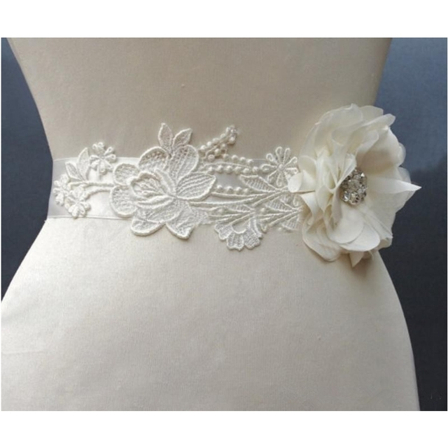 in Stock Cheap Flower Lace Bridal Sashes Crystals Lovely Romantic Wedding Belts wedding Accessories