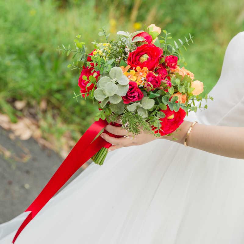 Janevini Merah Buket Pernikahan Bridal Bunga Buatan Buket Bunga Mawar Oranye Pengantin Memegang Bunga untuk Dekorasi Pernikahan Bouquet Fleurs