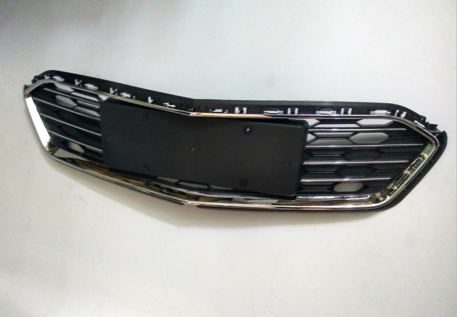 Chrome Front Bumper Middle Grille For Chevrolet Cruze 2016 2017 2018 1PC grille