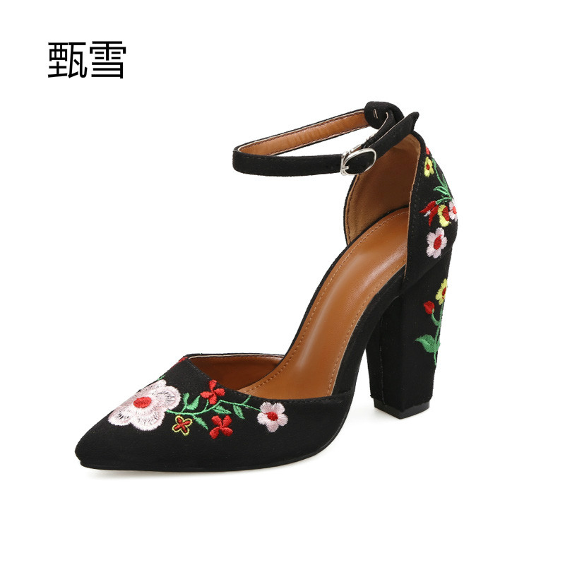 2017, Autumn Fashion, Simple Embroidery, Coarse Heel Shoes Exquisite fashion design