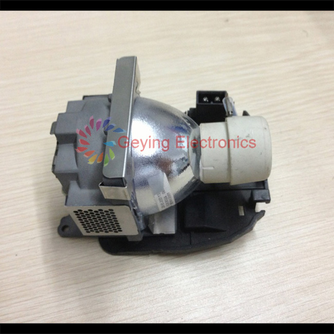 купить New Projector Lamp SP-LAMP-040 UHP200W for In Focus XS1 онлайн