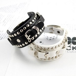 free shipping Fahion Punk  leather bracelets rivet blinking hand bangles white & black personalized bracelets